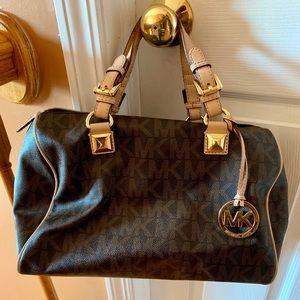 Authentic Michael Kors signature Grayson handbag
